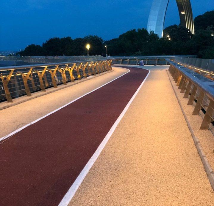 7 фактів про велопішохідний міст в Києві