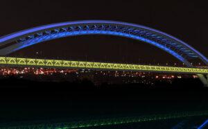 Світлове рішення для Подільського мостового переходу