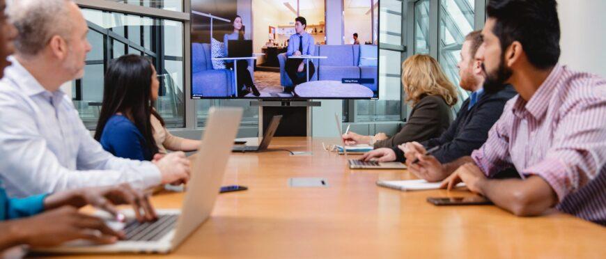 Відеоконференція — новий офіс наших реалій!⠀